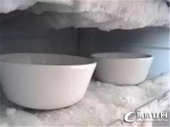 冰箱结冰厚的要命?普森集成灶一招就能解决!