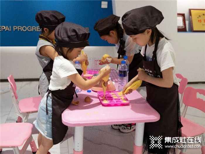 浙派美食亲子体验营第二季开课啦!带孩子来浙派享受周末的亲子时光吧
