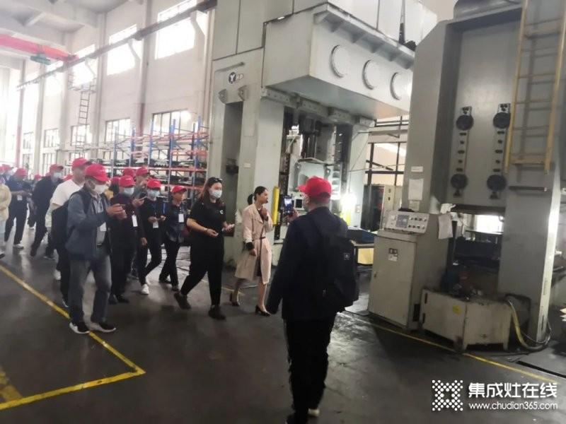 热烈欢迎玉立烟台团队参观工厂!_3